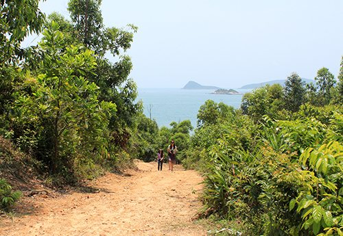Quan Lan island has nearly 10 beaches